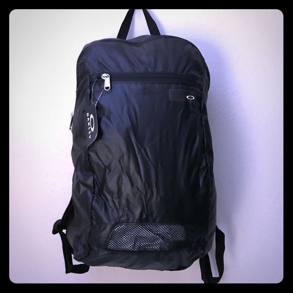 08bdef1161fb Oakley Packable Backpack NWT